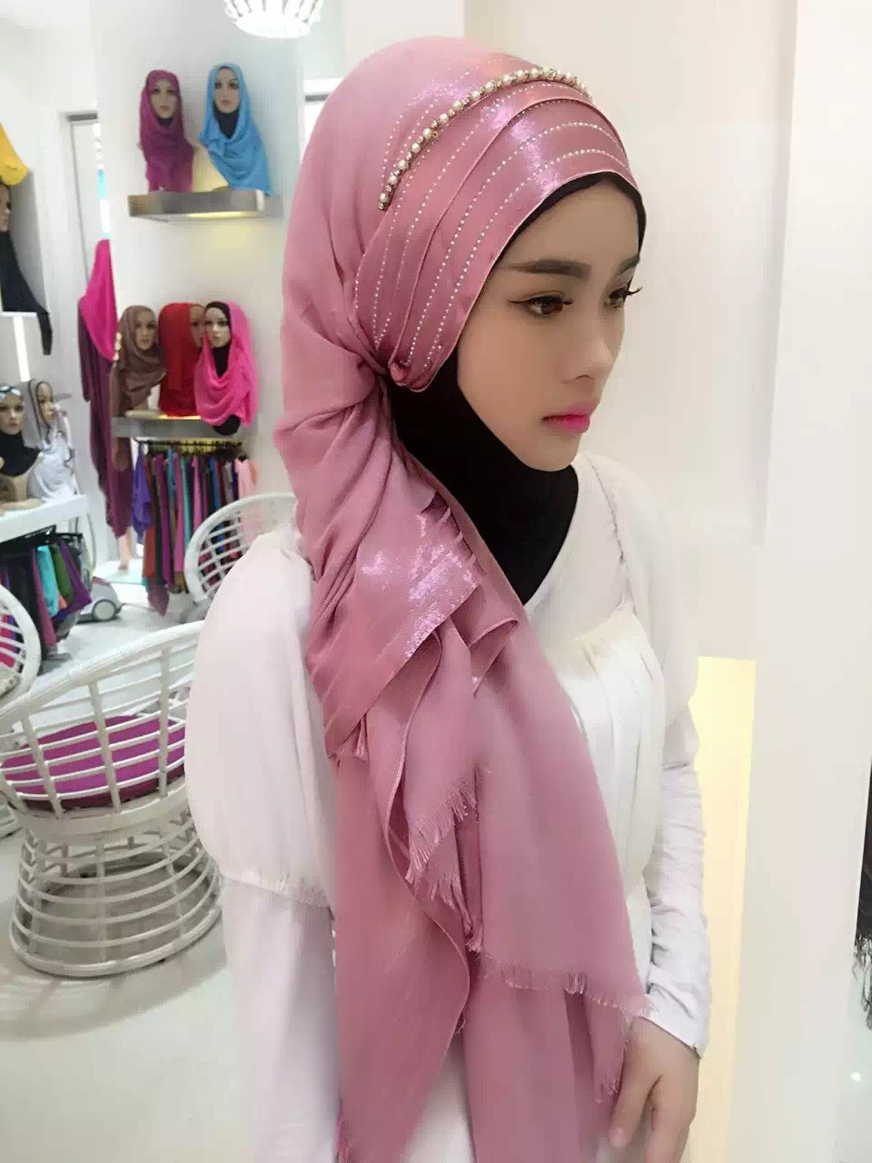 H1025 Fashion soft viscose cotton muslim long scarf with 4 lines stones fast delivery