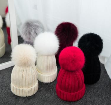 Haute qualité grand 16 cm réel renard fourrure pompon Beanie chapeaux tricotés Chapeau d'hiver Pour Femmes Filles Bonnet de Laine Tricoté Coton Bonnets Casquettes - 1