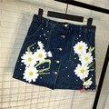 Высокая талия джинсовой юбке женщин бисером дейзи вышивка однобортный Онлайн джинсы юбка b018