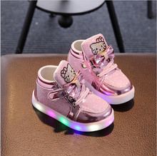 3e82ac55fbe29 Nouveau Enfants Lumineux Chaussures Garçons Filles Sport Chaussures de Course  Bébé Clignotant Lumières Mode Sneakers Enfant