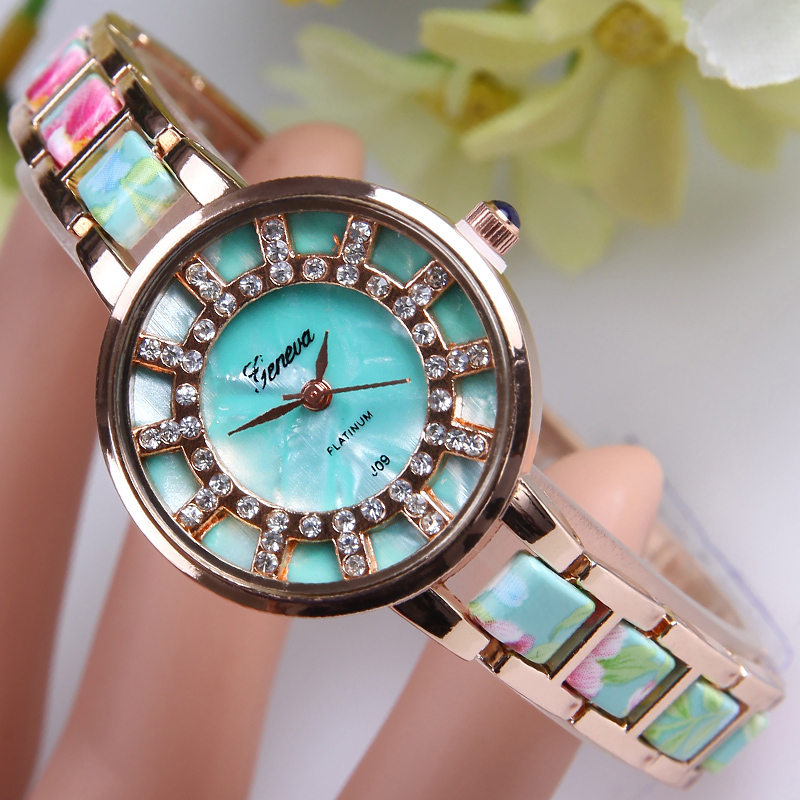 TOP NEW Casual Dress Watch Women Quartz Silicone Wristwatch Sports relogio feminino Rhinestone Lady Student School Montre Uhr new fashion unisex women wristwatch quartz watch sports casual silicone reloj gifts relogio feminino clock digital watch orange