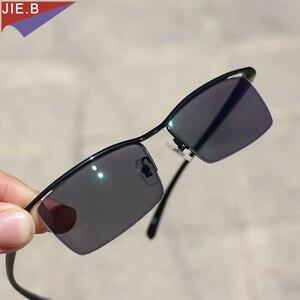 Image 4 - موضة جديدة لعام 2020 نظارات نسائية من خليط معدني فوتوكروميك إطار TR90 نظارات شمسية نهائية نظارات لقصر النظر