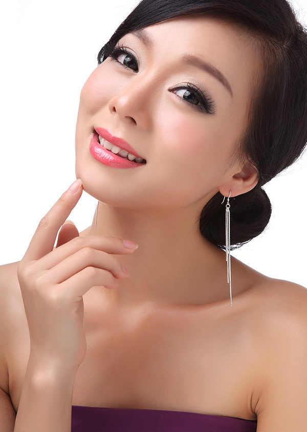2020 แฟชั่นสีเงินต่างหูพู่ต่างหูสามเส้นยาว DROP น้ำออกแบบเครื่องประดับหูผู้หญิงขายส่ง