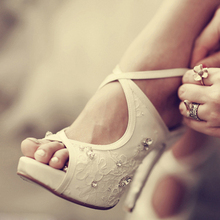 White Lace Rhinestone Platform Peep Toe Bridal Heels Sandals Women's Cross Party Prom Shoes White Wedding Shoes