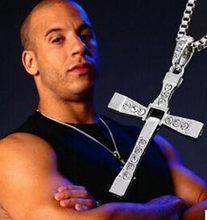 Nuovo Fast and Furious 7 Moive Croce Tourette Collana Pendente di Dominic Toretto Cross Collana Per Gli Uomini