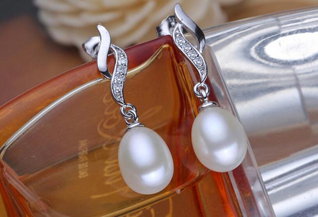 Natural Freshwater Pearl Drop Earrings