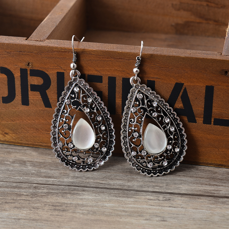 2 Colors Big Long Crystal Drop Earrings For Women Vintage Earrings Flower Bohemian Style Fine Jewelry Wedding Accessories New Varieties Are Introduced One After Another Furniture