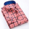 Otoño 2017 de Los Hombres Jóvenes de Manga Larga Cepillado de Franela A Cuadros Camisa Occidental Soft Comfort Cotton Casual Slim-fit Button-abajo Camisetas