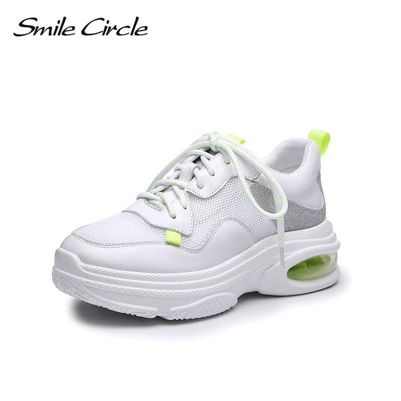 9aa49539b2b1 En 2018 Décontractées Femmes D'air Lacets Baskets Chaussures Coussin Plates  Confortables Cercle À Sourire Cuir Véritable blanc Noir EqOn6X