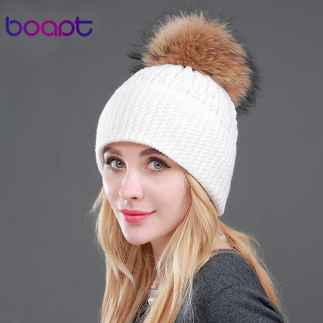 BOAPT Alta qualidade de Inverno da Caxemira das Mulheres de Pele De Guaxinim Genuíno Chapéus Femininos Tampas de Malha Pompom Skullies Gorros Headwear Trança