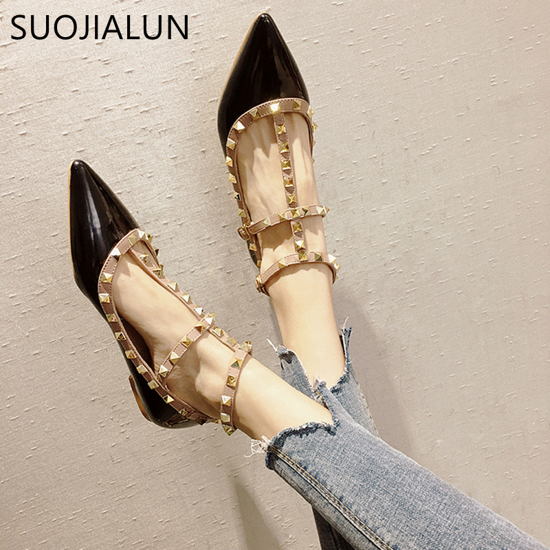 SUOJIALUN 2018 New Fashion Autumn Women Flats Shoes Slip On Sandals Pointed Closed Toe Rivet Ankle Buckle Flat Heel Shoes buckle straps embellished women pu leather flat heel shoes korean fashion new 2017 ladies slip on designer flats round toe
