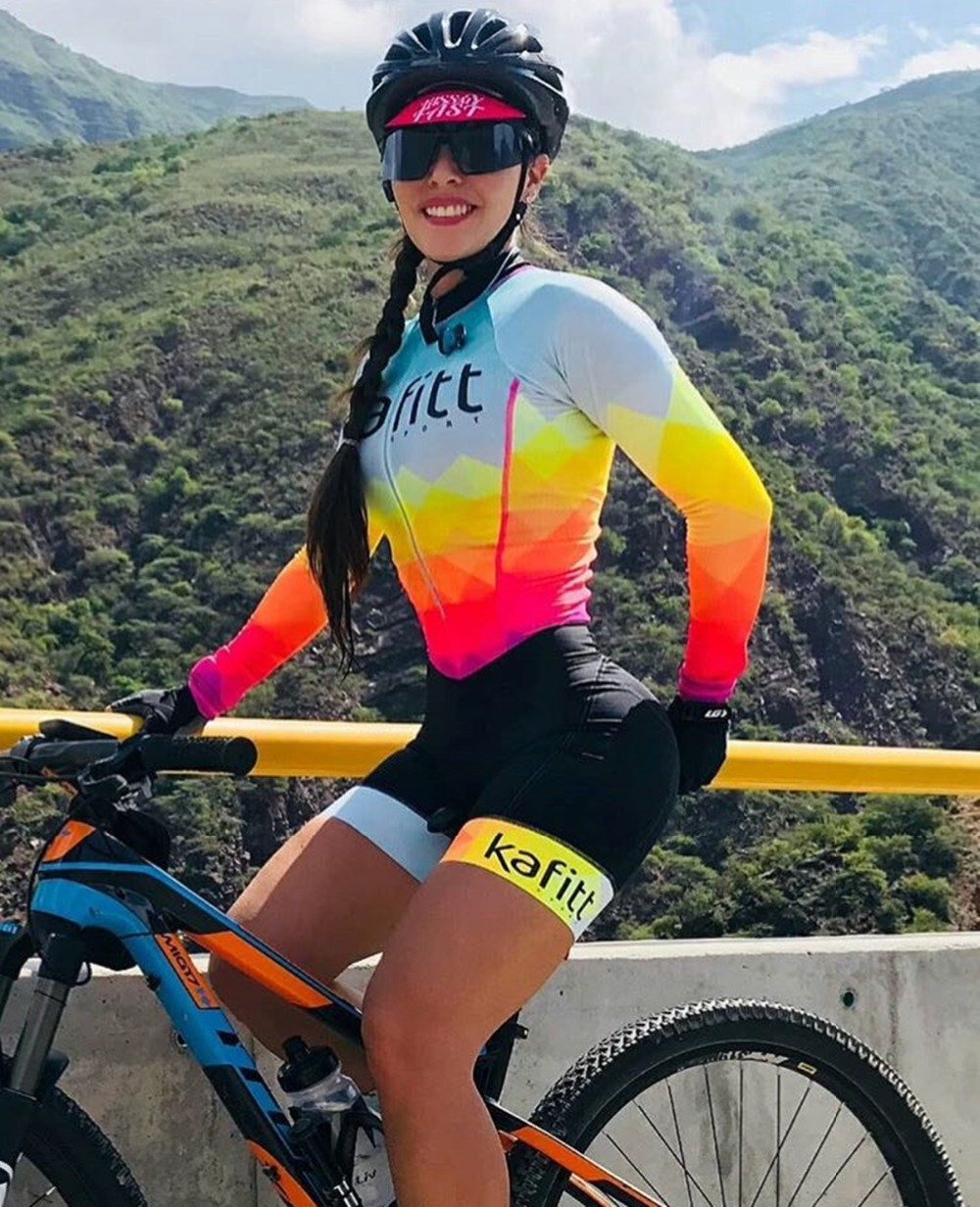 2019 Pro Team Triathlon Suit Women's Cycling Long Sleeve Jersey Skinsuit Jumpsuit Maillot Cycling Ropa Ciclismo Set Gel
