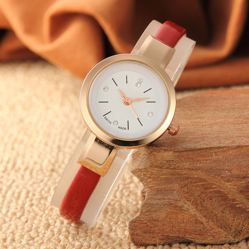 New Fashion Trend Small Dial Fine Watch With Temperament Student Girl Epidermis With Watch Gift Table