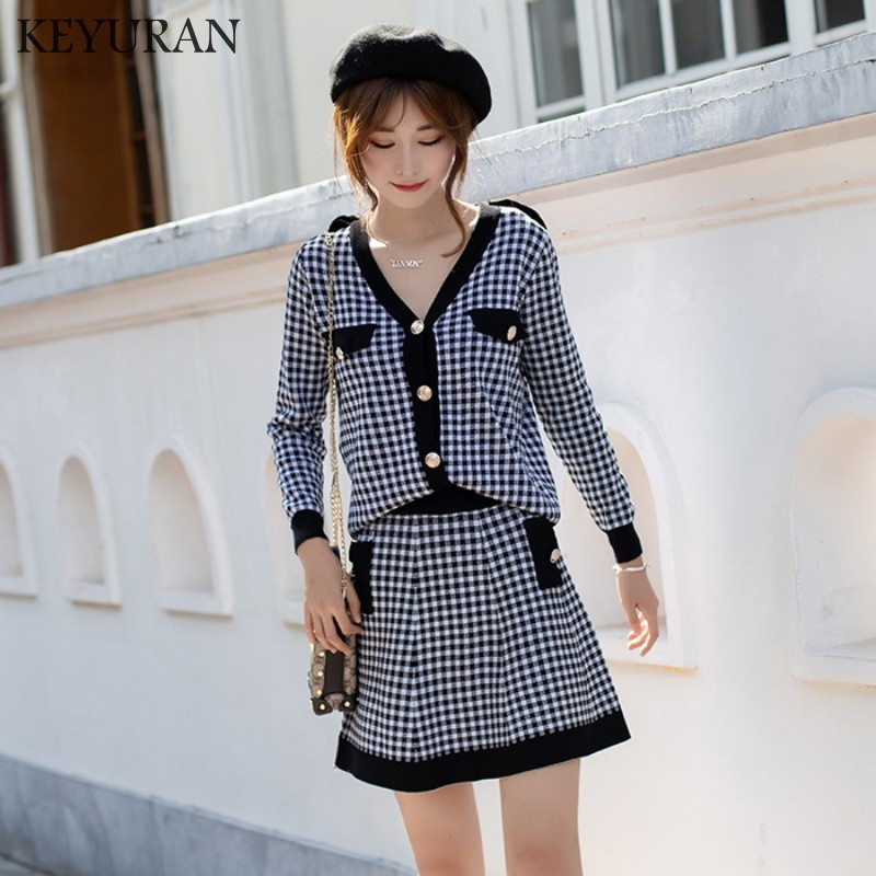 New Autumn Winter 2 Piece Set Dress 2019 Fashion Black Red Plaid Knitting Single Breasted V Neck Sweater + Ball Gown Skirt Suits