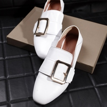 Black White Flats With Belt Buckle 2017 Spring New European Style Comfortable All-match Singles Shoes For Women Size 38 39