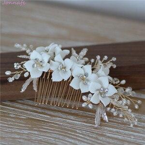Image 2 - Jonnafe עדין פורצלן פרח חתונת שיער מסרק תכשיטי פנינים בעבודת יד כלה כיסוי ראש נשים לנשף שיער אבזרים