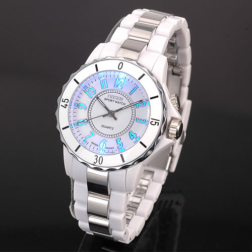 Hodinky OHSEN Women s Luxury Waterproof Sports Watches 7 Multi color Led  Light Clock Watch FG0736 Relogio Esportivo Feminino-in Women s Watches from  Watches ... c74e0c856a5