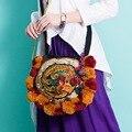 Nueva llegada de la Bola Pompón Hmong Original Animal Patrón bolsas Bordadas Vendimia Ronda ocio de la Lona bolsa de mensajero hombro de Las Mujeres