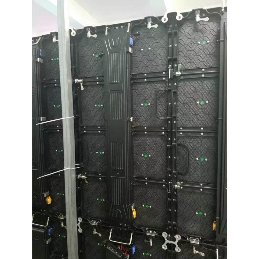 P4.81 d'intérieur écran LED 500 × 500mm 104*104 pixels Cabinet en aluminium de moulage mécanique sous pression SMD2121 écran rgb LED pour l'écran de publicité