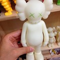 Fashion Brand New 2016 KAWS Original Fake Plastic Action Figures 20 Cm High Quality Model Dolls Nigh Glow Juguetes Dj011