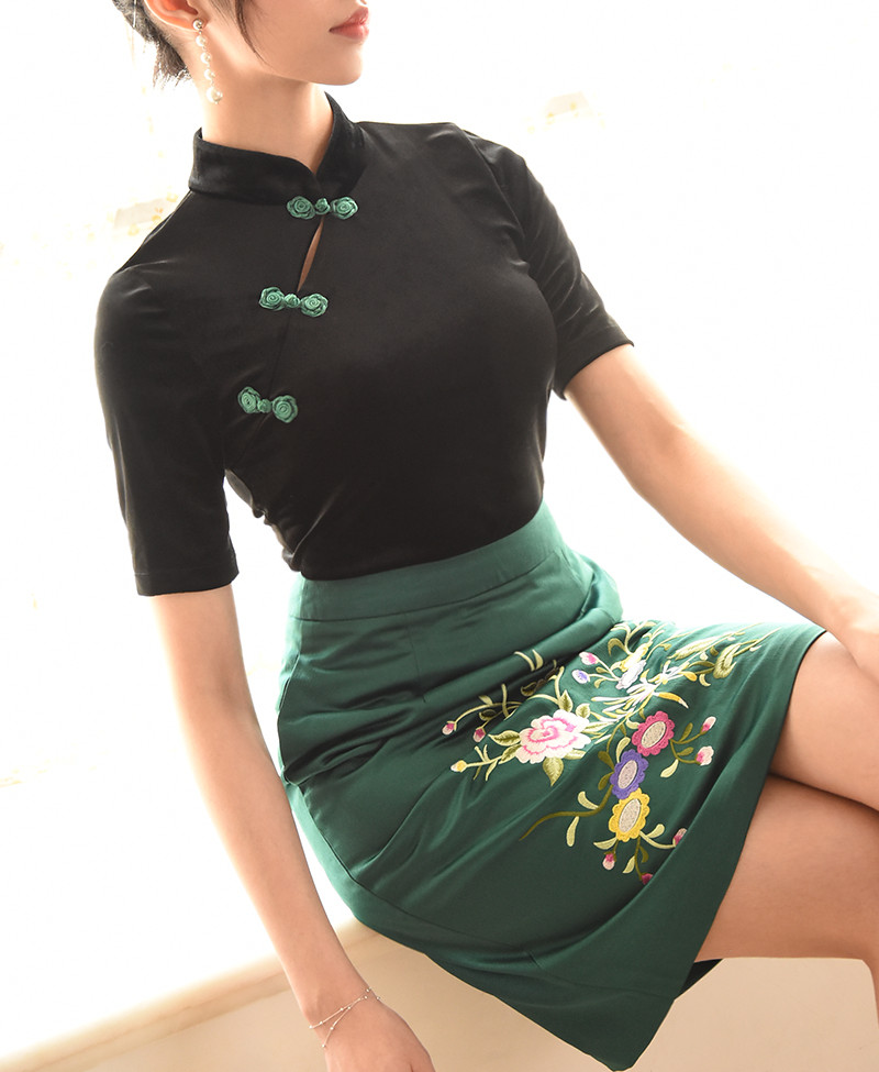 Velvet Chinese women fashion qipao style top +embroidery skirt
