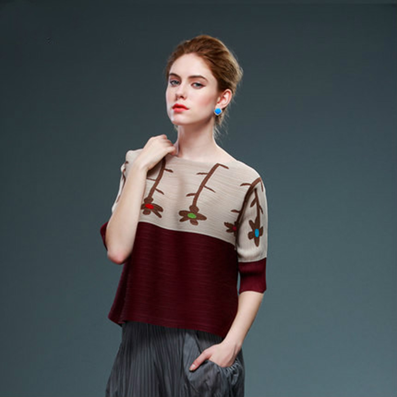 Issey Miyake Summer New 2019 Women Short Sleeve Floral Print T Shirt Women Elegant Loose Pleated Tops Tees Pink Blue Green Beige