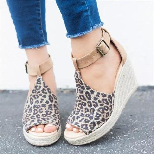 Новая Брендовая женская обувь на танкетке с леопардовым принтом, 2019 Zapatos De Mujer, женские модные сандалии из флока с открытым носком, повседневная обувь