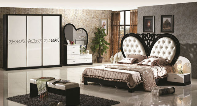 Luxury Suite Bedroom Furniture Of Europe Type Style Including 1 Bed 2 Bedside Table Chest A Dresser And Makeup Chair