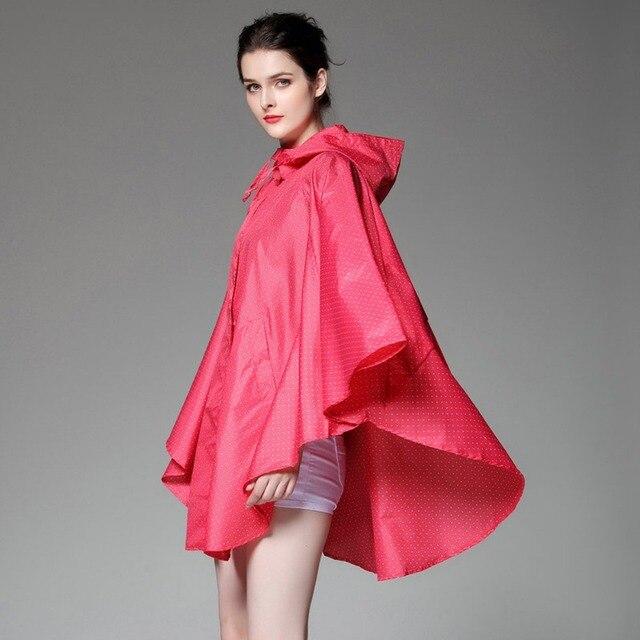 bf2e31b4e657e عباءة نمط النساء الوردي معطف المطر مع نقطة المطبوعة المعطف الخفيف تنفس ماء  البالغين في المطر
