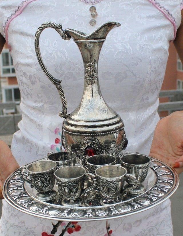 В древнем Китае, позолоченные серебро опал чайник и чашки и лоток