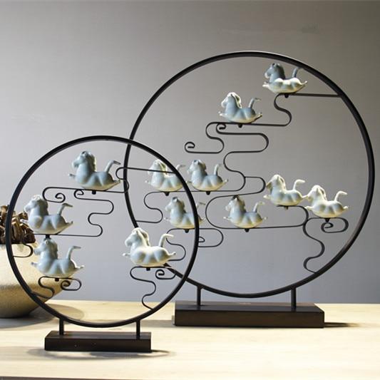 Delicate Design China Folk Art Traditional Desktop Round Metal Craft