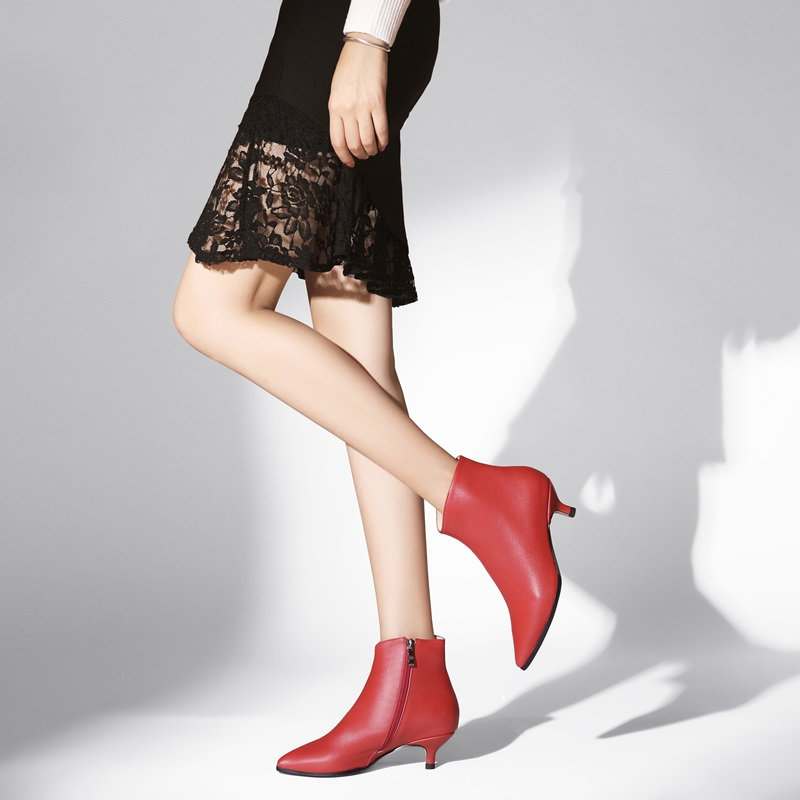 EGONERY حقيقية جلد البقر الأحذية الأزياء امرأة حذاء من الجلد الأحمر الأسود الشتاء أفخم الجوارب مكتب 3 سنتيمتر كعوب منخفضة أحذية مستدقة-في أحذية الكاحل من أحذية على  مجموعة 3