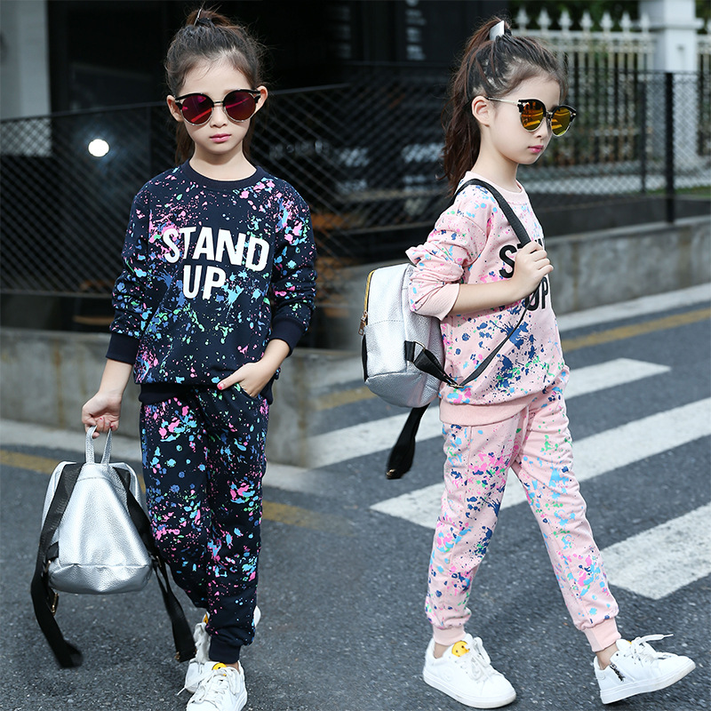 цена на New Girls graffiti two piece suit 2018 Autumn Kids round neck Sports suit Children long-sleeved cotton two-piece track suit