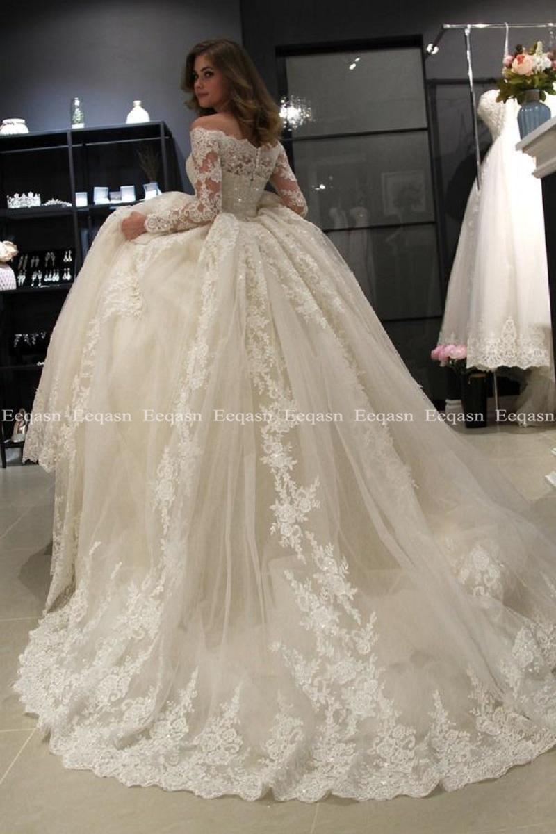 Image 4 - Luxury Ball Gown White Long Sleeves Wedding Dresses 2019 Muslim Lace Dubai Arabic Wedding Gown Bride Dress Robe De Mariee-in Wedding Dresses from Weddings & Events