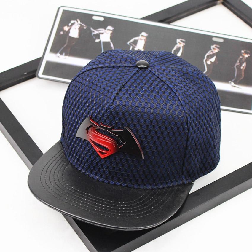 2018 Metal Logo Superman Batman Hip Hop Dance Snapback Hats Bone K pop Casquette  Homme Baseball Cap Casual Gorras chapeu-in Baseball Caps from Apparel ... 47286449fb9a