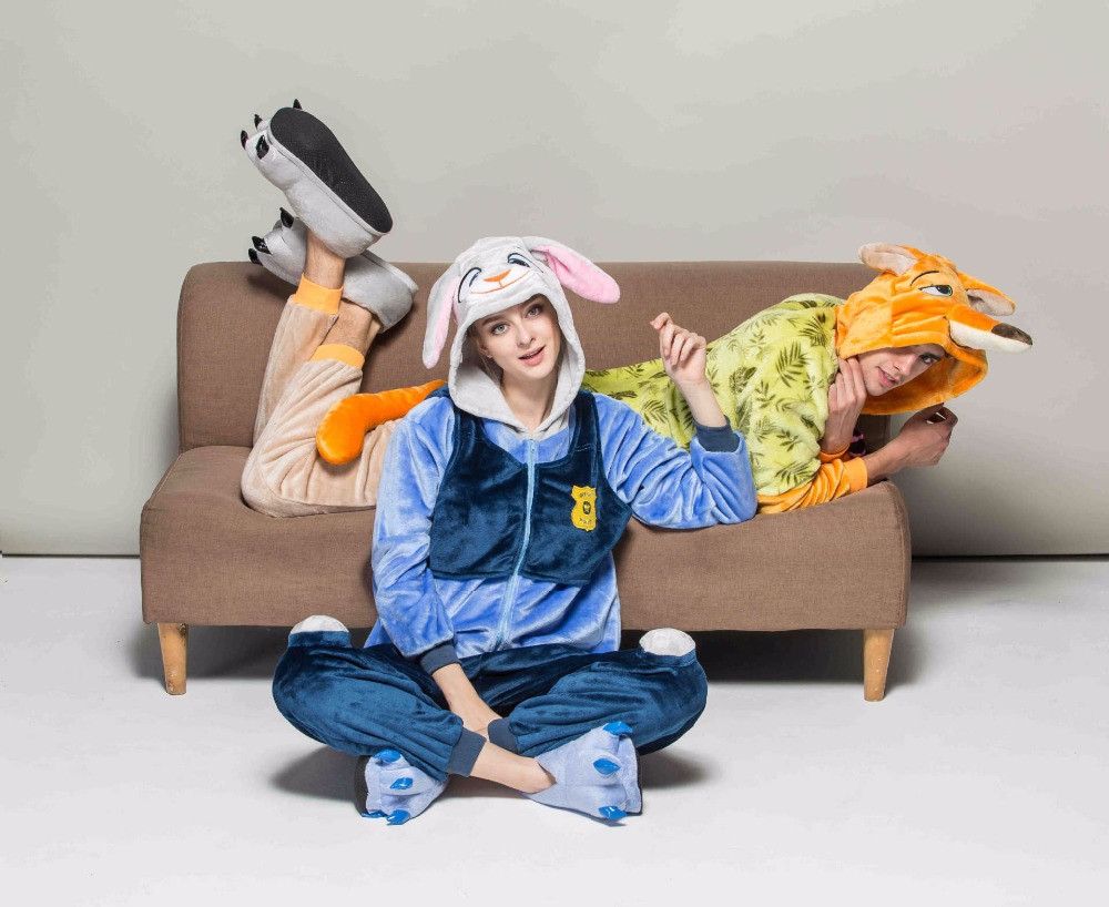 The new jodi couple cartoon series pajamas flannel men and women in the toilet version of the home dress.