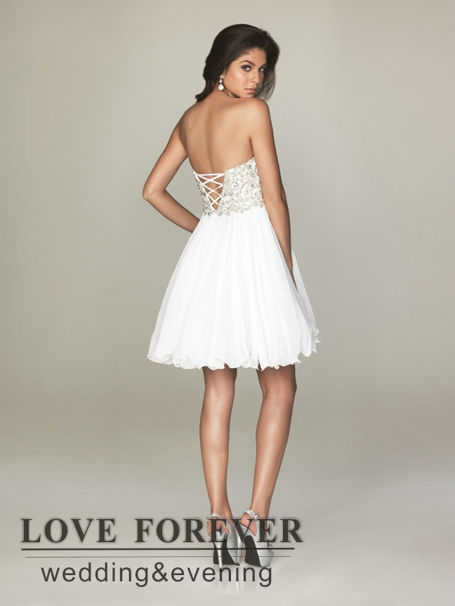 Imagenes de vestidos cortos color blanco