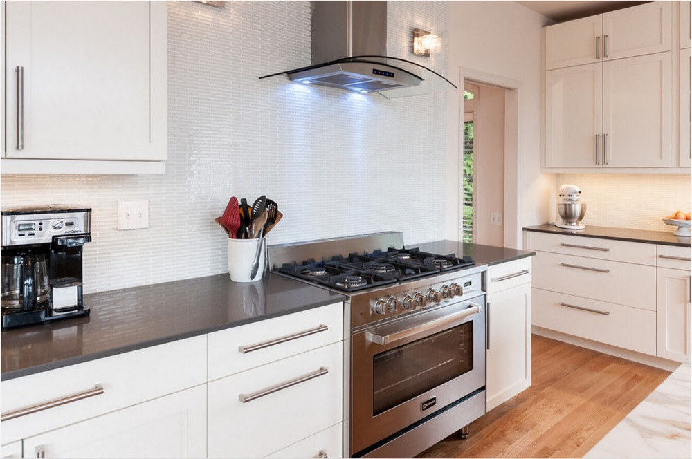 2017 Hot Sales 2pac Kitchen Cabinets White Colour Modern