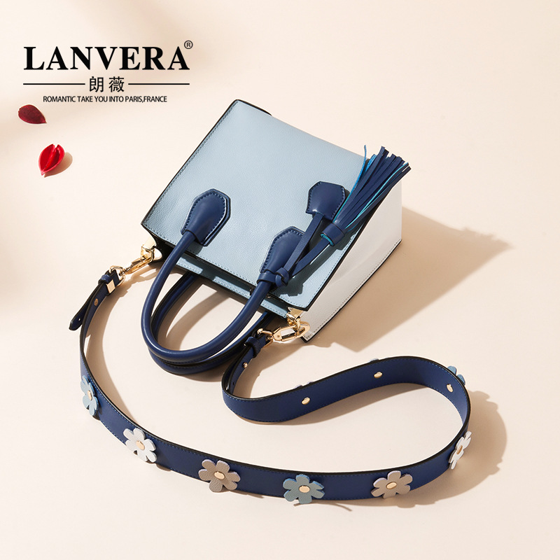 The first layer of Leather Tote Bag Handbag 2017 New Europe wide straps all-match Shoulder Messenger leather handbag new korean version of the first layer of leather pillow bag large lychee pattern handbag shoulder messenger fashion leather leat