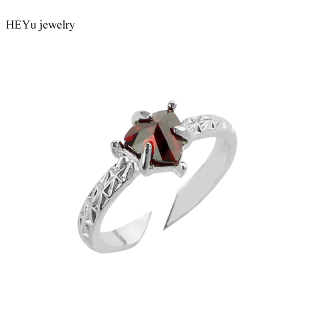 Top Quality Red Crystal Created Spinner Wedding Ring Silver Color Triangle Shape Punk Rock Rings