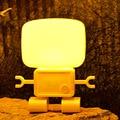 Creativo USB de Sonido Sensible A la Luz de la Lámpara de Robot Inteligente, Robot Historia Bebé de La Noche Lámpara de Mesa LED Del Sensor de Movimiento Robot Luz