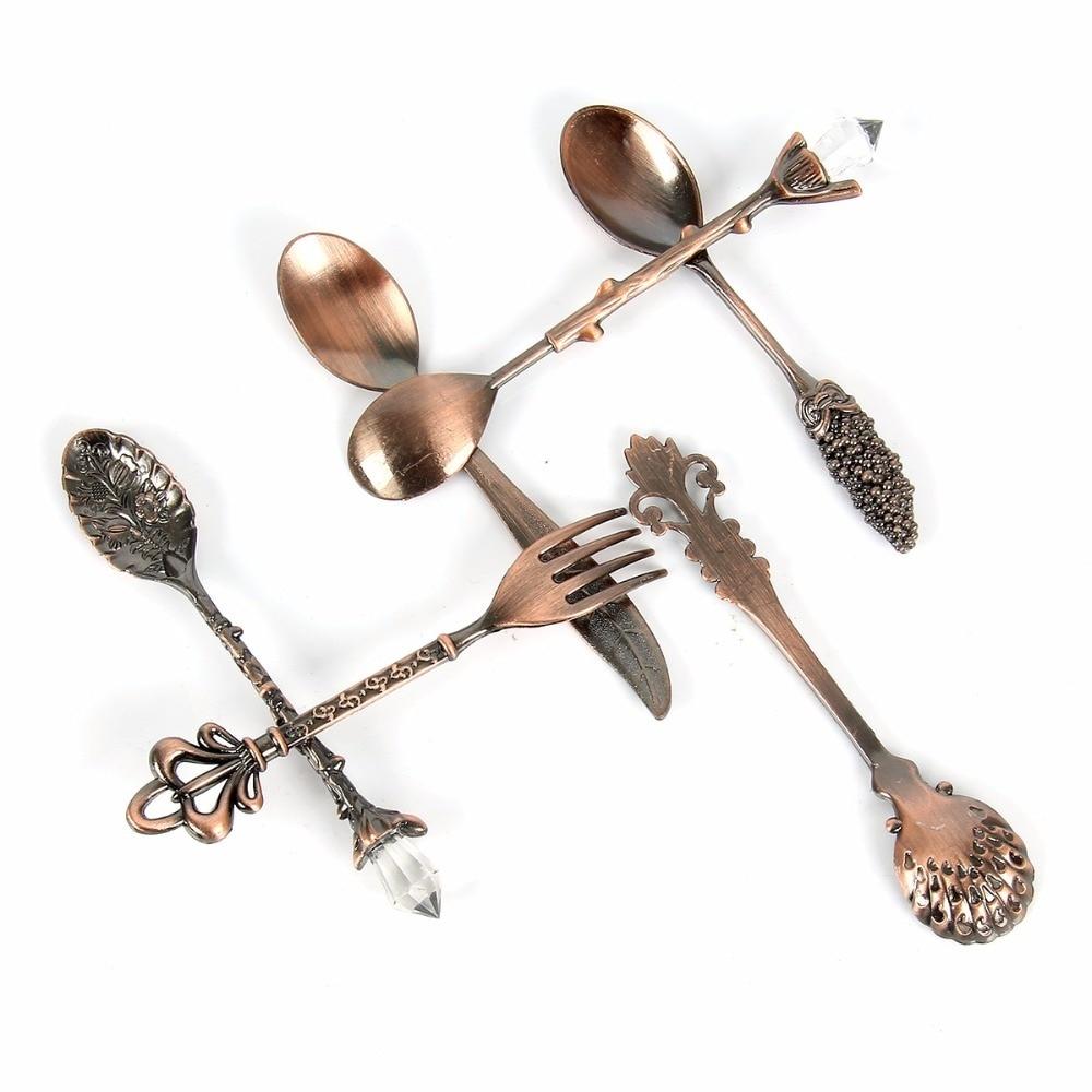 6pcs Vintage Spoons Fork Mini Royal Style Metal Gold Carved Coffee Snacks Fruit Prikkers Dessert Fork Kitchen Tool Teaspoon 1set 3