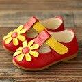 2017 de Otoño de Cuero Genuino Bebé Primer Caminante de la Corbata Niños Niñas Zapatos T Correa de Los Niños Niñas Zapatos Niños de las Flores Zapatos de cuero