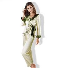 0629e4cec Plus Size Sexy Conjunto Pijama Bonito Pijamas Femininos Marca mujer Das Mulheres  Pijamas de Seda Treino feminino Ponto Trajes pa.
