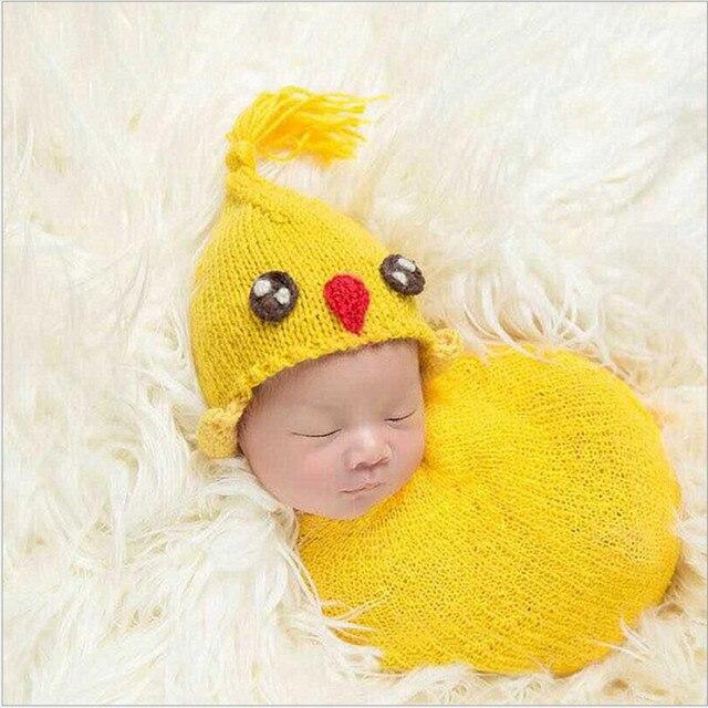 Un crochet sombrero de pollo para un niño y niña envoltura hecha ...