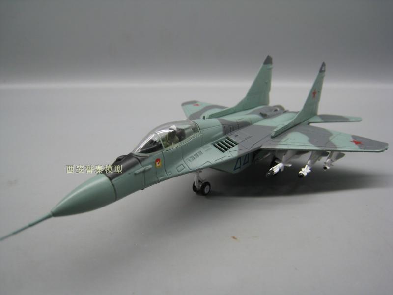 Амер 1/100 Весы модель самолета Игрушечные лошадки России миг-29 истребитель литья под давлением Металл самолета Модель игрушки для сбора/пода... ...