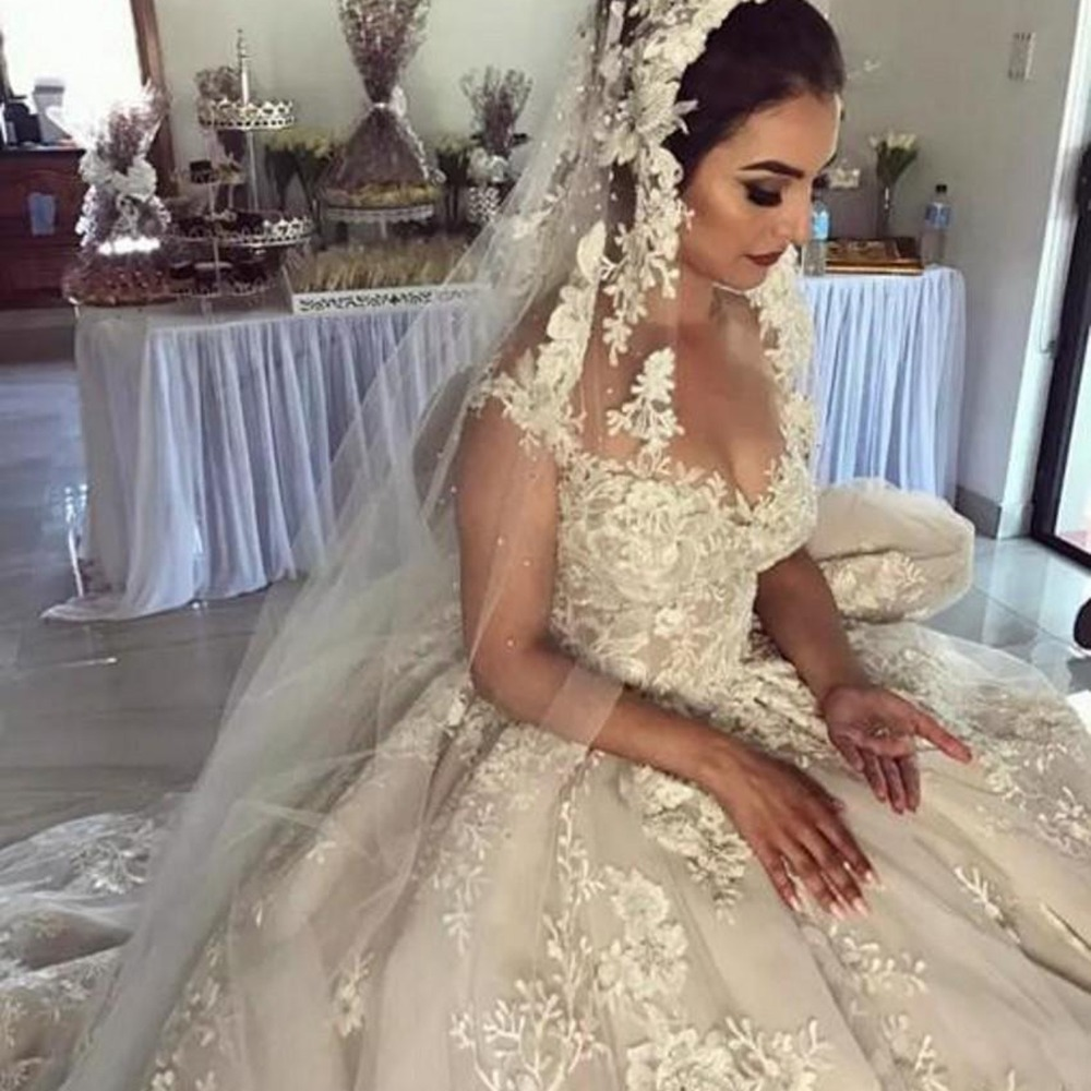 2019 Dubai Arabic Wedding Dresses Lace Appliques Off: Dubai Luxury Lace Floral Wedding Gowns 2019 Elegant