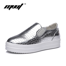 The famous solid Slip-on women's flat platform shoes PU vamp women loafers Height Increasing women's shoes