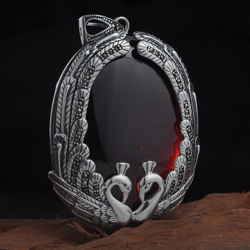 S925 pendentif en argent sterling ethnique double paon incrusté grenat femme chandail pendentif (YRT)