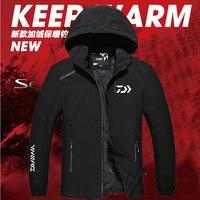 2018 New Daiwa Man Fishing clothing Soft Shell Jacket Plus Velvet Keep Warm Autumn And Winter Waterproof Hiking Coat